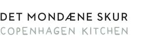 Det Mondæne Skur | Snedkerkøkken i København med hvide fliser - Flisekøkken - Køkkenelementer på mål - individuelt snedkerkøkken Frederiksberg - køkkenmøbler på mål - glasskabe på mål - klassisk hvidt køkken